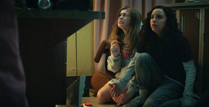 'Fear Street Part 1: 1994' Is Brutally Excellent Slasher Film for 2021