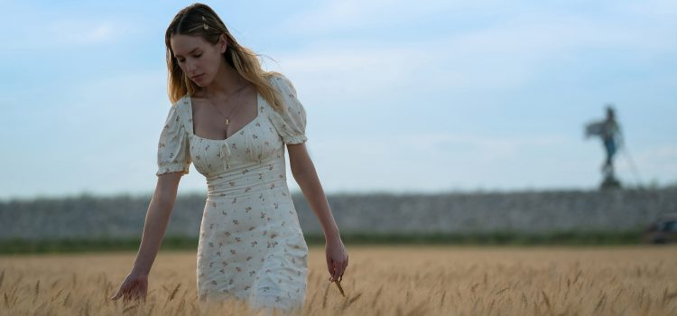 'Flag Day' Gut-Wrenching Character Study With Star-in-Making Dylan Penn