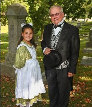 'Vintage Voices' Celebrates 20 Years in Alton Cemetery